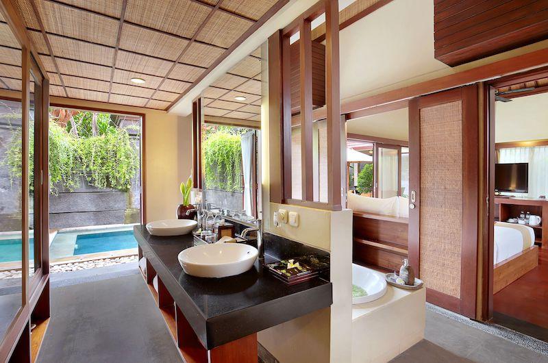 Nyuh Bali Villas Honeymoon Suite Bathroom | Seminyak, Bali