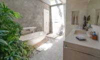 Villa Chocolat En-suite Bathroom | Seminyak, Bali