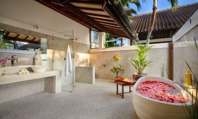 Villa Noa Bathroom | Seminyak, Bali