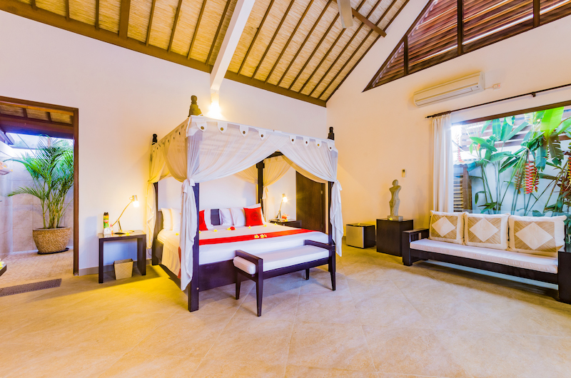 Villa Noa Bedroom with Seating | Seminyak, Bali
