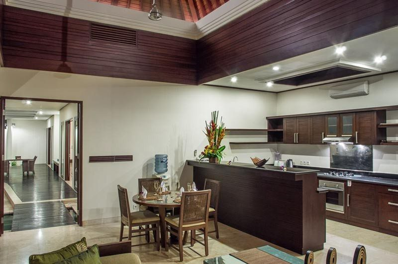 The Residence 2+1br Superior - Villa Siam Kitchen and Dining Room | Seminyak, Bali