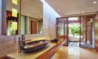 Tukad Pangi Villa Master Bathroom   Canggu, Bali