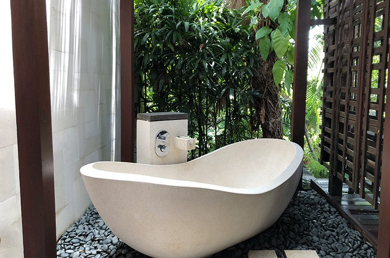 Tukad Pangi Villa Outside Bathtub | Canggu, Bali