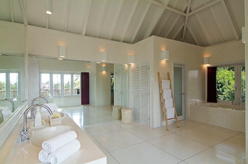 Matahari Villa Bathroom | Seseh-Tanah Lot, Bali