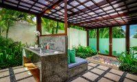 Shalimar Villas Romantic Bathtub | Seseh, Bali