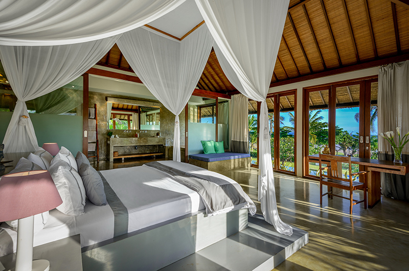 Shalimar Villas Bedroom with Enclosed Bathroom | Seseh, Bali