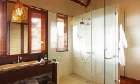 Sound of the Sea Bathroom with Shower   Pererenan, Bali