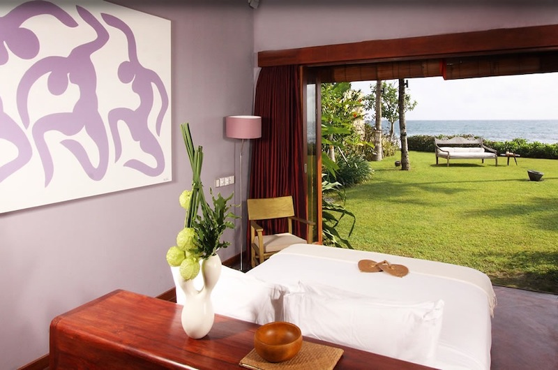 Sound of the Sea Bedroom Area with Lamps | Pererenan, Bali