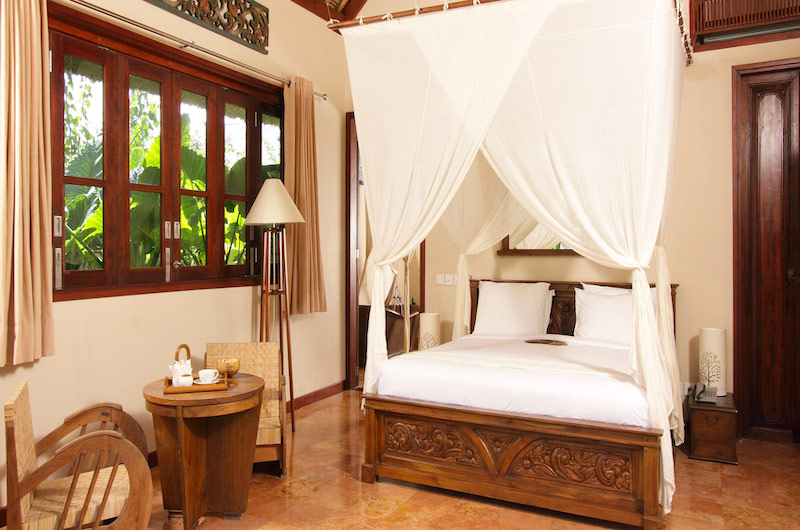 Sound of the Sea Bedroom with Lamps | Pererenan, Bali