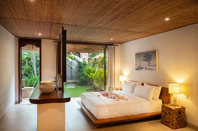 Sound of the Sea Bedroom with Ensuite Bathroom | Pererenan, Bali
