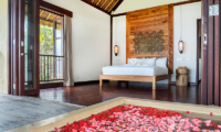 Sound of the Sea Bedroom with Romantic Bathtub | Pererenan, Bali