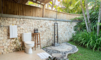 Sound of the Sea Outdoor Shower | Pererenan, Bali
