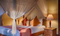 Villa Bougainvillea Bedroom with Lamps | Canggu, Bali