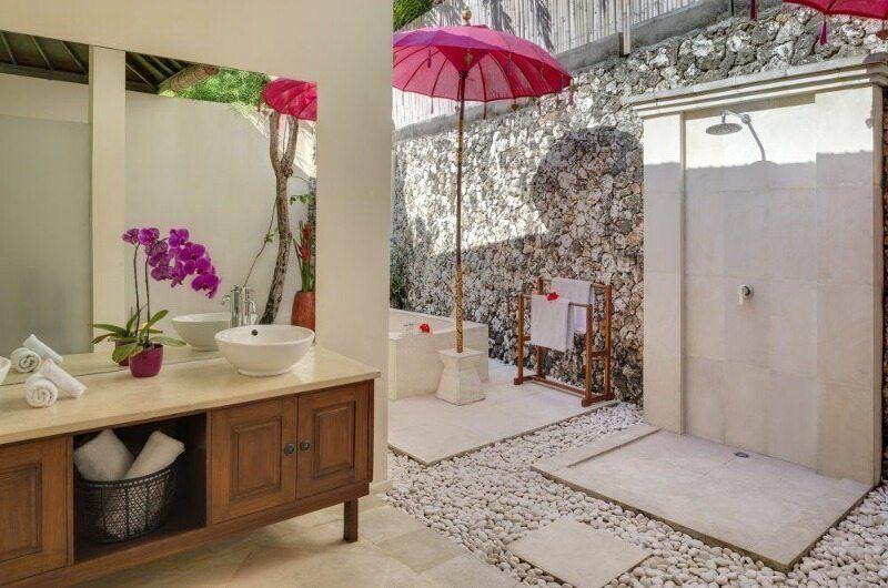 Villa Bulan Putih Bathroom | Uluwatu, Bali
