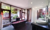 Villa Bunga Pangi Bathroom | Canggu, Bali