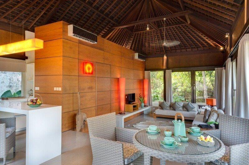 Villa Mata Air Dining Room