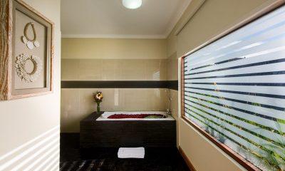 Villa Michelina En-suite Bathroom   Legian, Bali