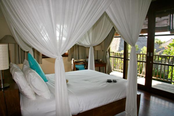 Villa Waringin Jepun Bedroom with Balcony | Pererenan, Bali