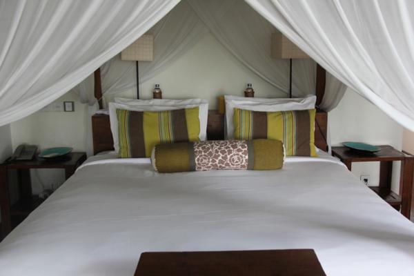 Villa Waringin Tunjung Bedroom with Lamps | Pererenan, Bali