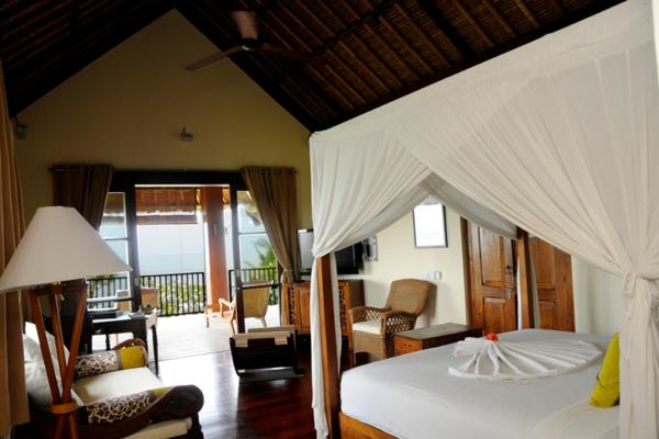 Villa Waringin Tunjung Bedroom with Balcony | Pererenan, Bali