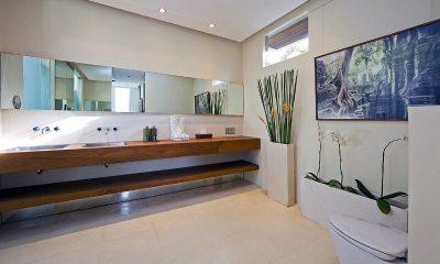 Chandra Villas Bathroom|Seminyak, Bali