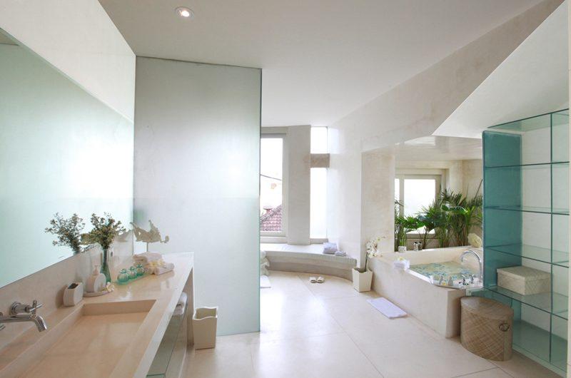 Eden Bali En-suite Bathroom | Batubelig, Bali