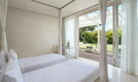 Eden Bali Twin Bedroom with Garden View | Batubelig, Bali