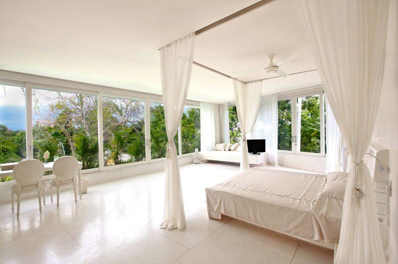 Eden Bali Spacious Bedroom with TV | Batubelig, Bali