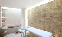 Eden Bali Spa and Romantic Bathtub Set Up | Batubelig, Bali