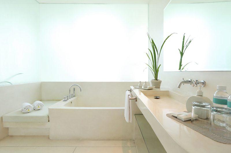 Eden Bali Bathroom | Batubelig, Bali