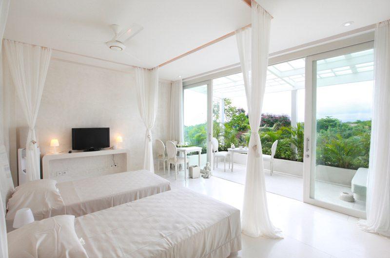 Eden Bali Bedroom with Twin Beds | Batubelig, Bali