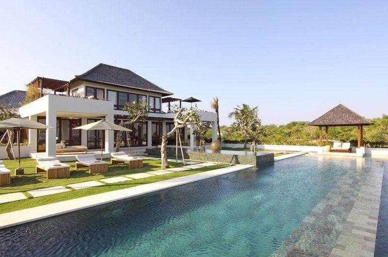 Sinaran Surga Pool Side | Uluwatu, Bali