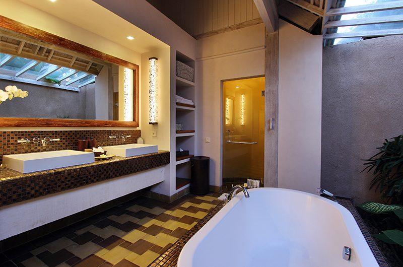 Space at Bali Bedroom Three Bathtub | Seminyak, Bali