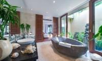 Villa Eshara Bathroom| Seminyak, Bali