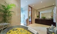 Villa Eshara Bathroom | Seminyak