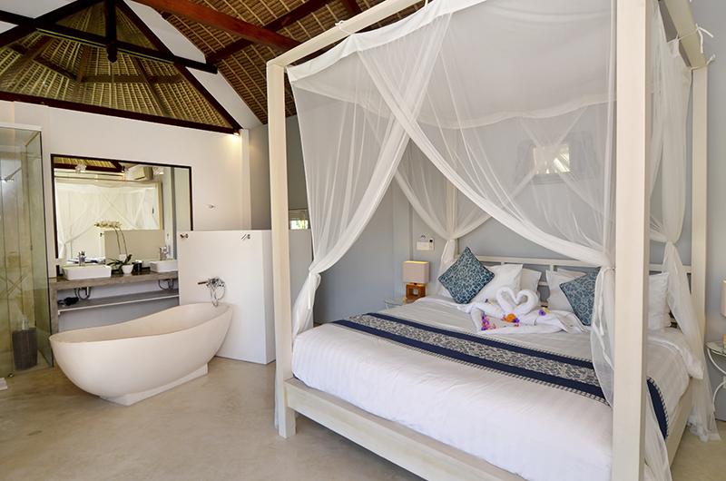 Villa Kami Indoor Bathtub | Canggu, Bali