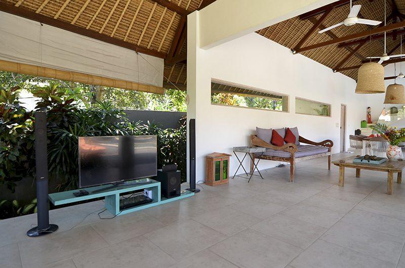 Villa Kami Dining Table | Canggu, Bali