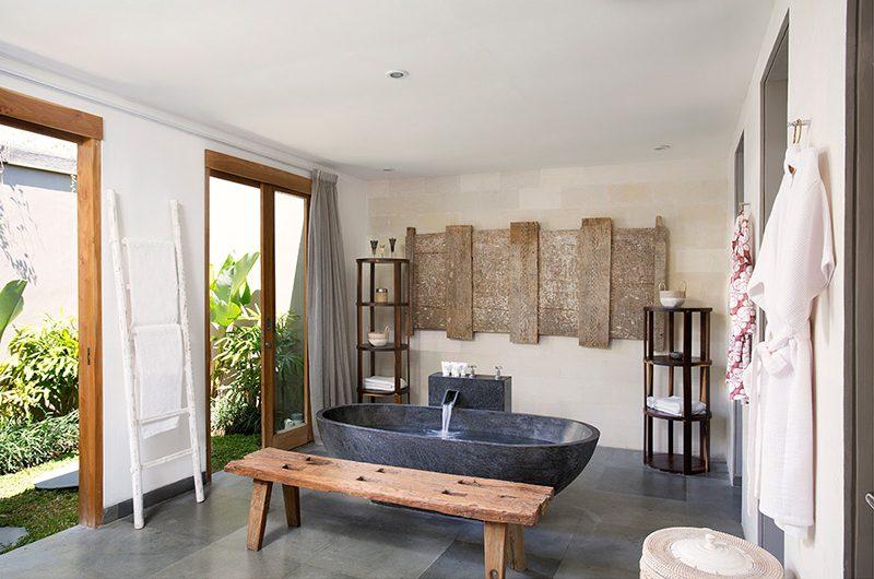 Villa Levi Bathroom with Bathtub | Canggu, Bali