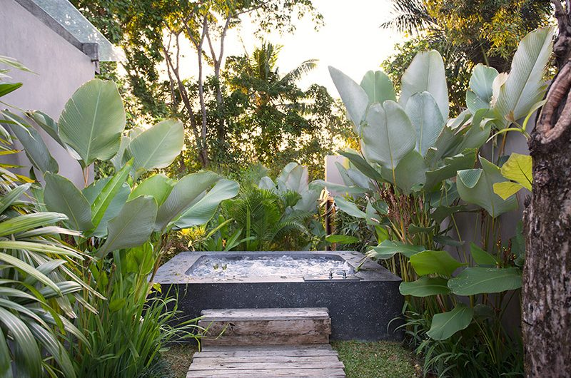 Villa Levi Open Plan Jacuzzi | Canggu, Bali