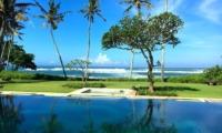 Ombak Luwung Swimming Pool   Canggu, Bali