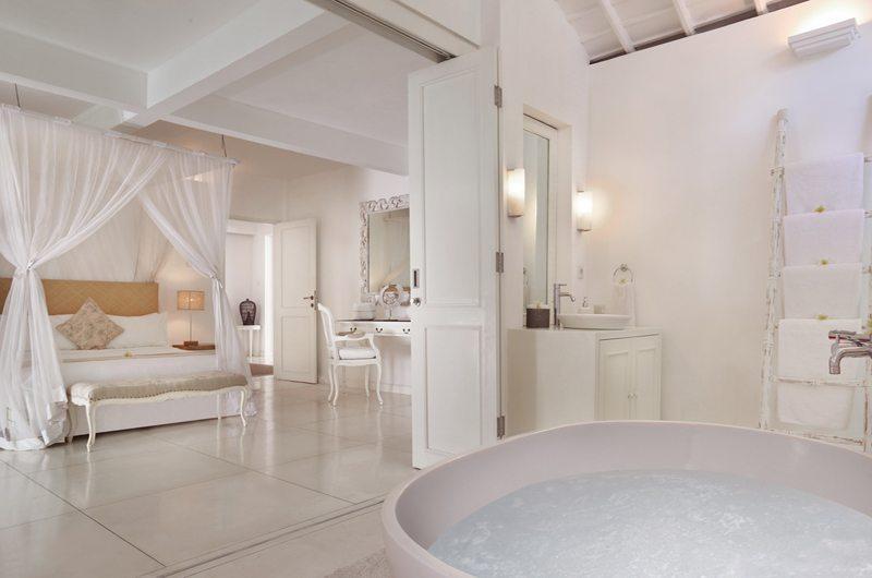 Villa Hermosa Bathtub | Seminyak, Bali