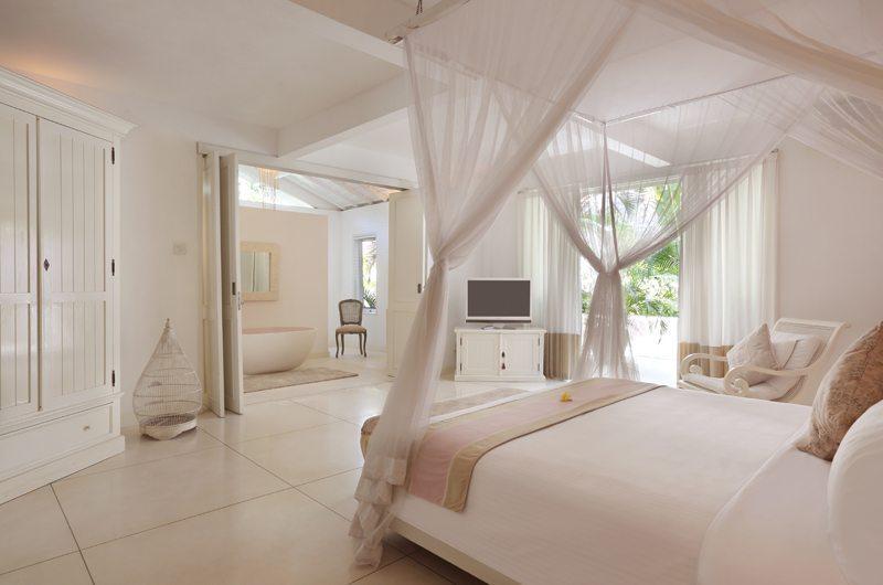 Villa Hermosa Master Bedroom | Seminyak, Bali