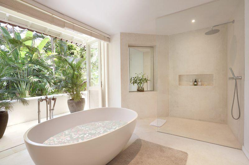 Villa Hermosa Master Bathroom | Seminyak, Bali
