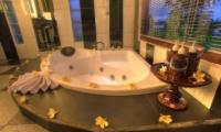 Villa Kunang Kunang | Bungalow2 Bathroom | Ubud, Bali