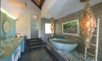 Villa Palm River Bathtub | Pererenan, Bali