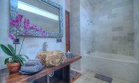 Villa Sundari Bathtub Area | Seminyak, Bali