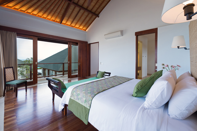 Pandawa Cliff Estate Villa Marie Bedroom and Balcony | Ungasan, Bali
