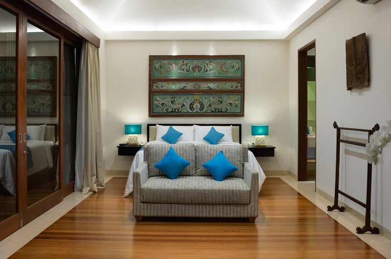 Pandawa Cliff Estate Villa Marie Bedroom with Sofa | Ungasan, Bali