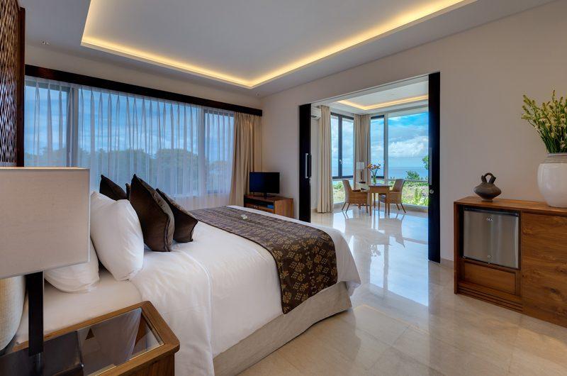 Pandawa Cliff Estate Villa Pala Bedroom and Balcony | Ungasan, Bali