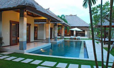 Villa Cinta Pathway   Seminyak, Bali